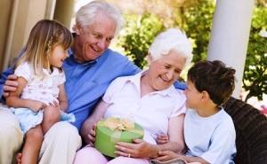 Александр Ткачев поздравил старшее поколение кубанцев с Днем пожилого человека