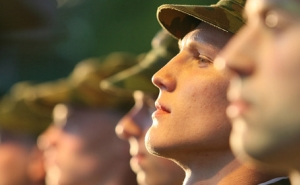 Бойцов по осени считают: В Краснодаре начался осенний призыв