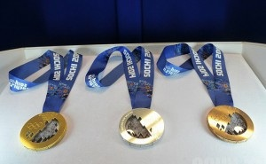 Девушки, которым выпала честь награждать победителей Олимпиады, уже сдают медальный экзамен