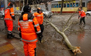 Без электроснабжения остается 16 тысяч краснодарцев