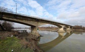 Во время учений военные железнодорожники восстановили мост через реку Кубань