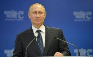 Владимир Путин поздравил с праздником весны спортсменок в Сочи