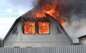 В результате пожара в Краснодаре горели стазу пять частных домов
