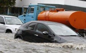 Из-за проливного дождя многие краснодарцы сегодня не смогли попасть на работу