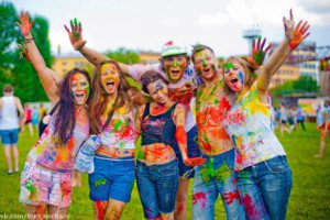 Фестиваль ярких красок