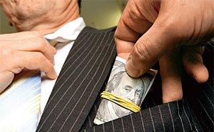 За 11 месяцев этого года на Кубани выявлено 7000 фактов коррупции