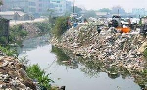 Экологи бьют тревогу: токсичные отходы загрязняют Новороссийскую бухту