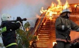 Жильцы многоквартирного дома в Сочи уверены, что их умышленно подожгли