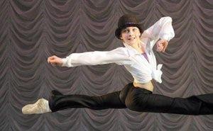 В Сочи Бедрос Киркоров оценивал вокальные и хореографические способности юных талантов