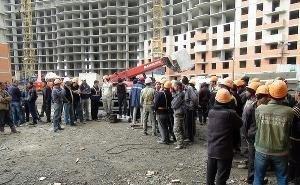 Лифт с пятью рабочими рухнул с 13-го этажа стройки в Краснодаре: 4 человека погибли