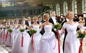 В Краснодаре на литературном балу воссоздали романтическую эпоху XIX века