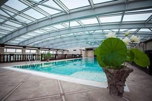 Отдых на все сто – гостиницы с бассейном в Петербурге