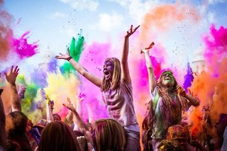 В августе Фестиваль красок Холи побывает в Краснодаре