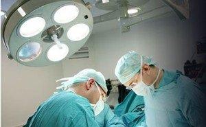 Пациентку с болезнью Бехтерева 10 часов оперировали лучшие нейрохирурги края