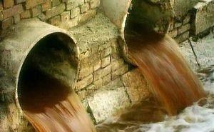 В реку Кубань по-прежнему массово сливают нечистоты
