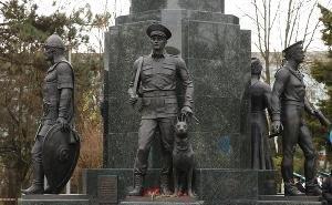 В Краснодаре открыт памятник пограничникам, среди которых - Илья Муромец