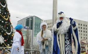 На Театральной площади Краснодара начались новогодние представления