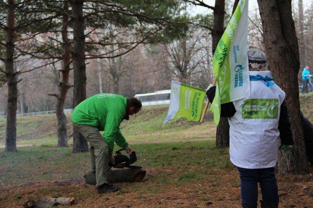 Волонтеры Краснодара очистили берег Кубани