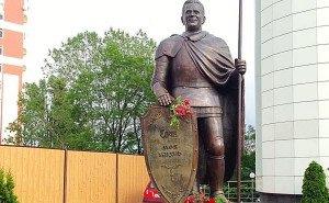 Памятник экс-мэру Сочи горожане сочли как минимум «странным»