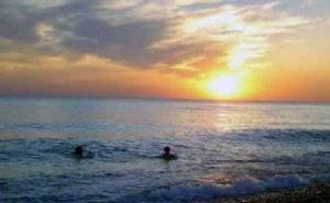 В Сочи введён запрет на купание по ночам