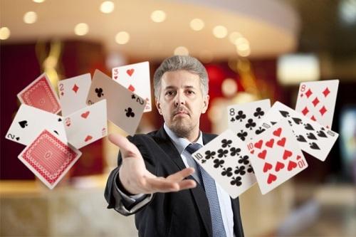 Топ-10 сумасшедших раздач в покере