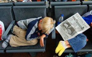 Пассажиры, застрявшие в аэропорту Сочи, покупают билеты за свой счёт