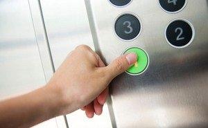 В Краснодаре из-за аномальной жары люди постоянно застревают в лифтах