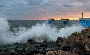 На Кубани, при купании в шторм, утонуло 7 человек