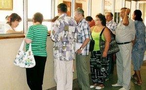 Власти Кубани требуют ликвидировать очереди в поликлиниках