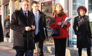 Повлиять на бизнесменов мэр Сочи хочет новым тротуаром