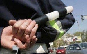 В Сочи при проверке документов водитель пырнул ножом инспектора ДПС