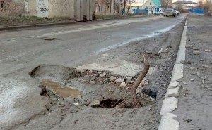 Под Краснодаром, объезжая яму, насмерть разбился таксист