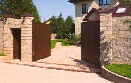 Пять главных плюсов установки распашных ворот