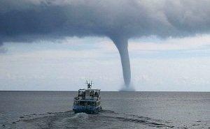На Черноморском побережье действует предупреждение о возможных смерчах