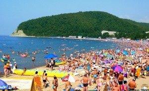 Массовые жалобы туристов навлекли проверки пляжей на Кубани
