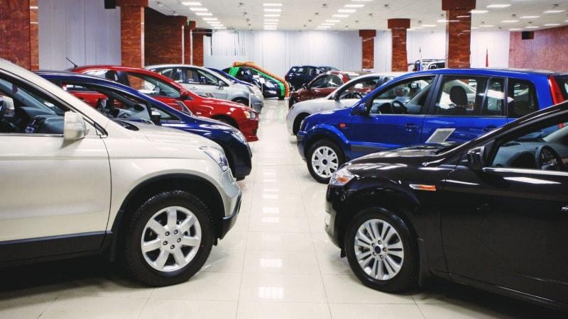Выбор автосалона: чем полезны отзывы