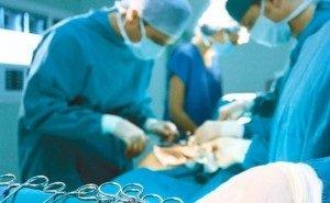 Пациентка умерла из-за салфетки, забытой врачами в её животе
