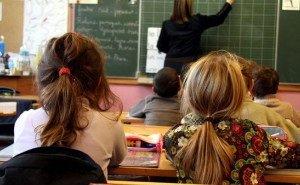 Чиновники Сочи объяснили, почему у них учителя живут в подвале школы