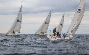 Календарь спортивных событий Сочи открыли яхтсмены
