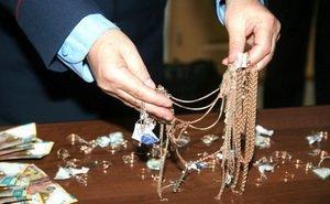 Альтернатива банковскому учреждению – ломбард ювелирных изделий