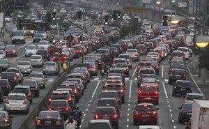 Стоять в пробках на новом мосту краснодарским автомобилистам «намного приятнее», чем на старом