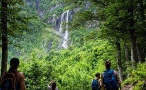 «Водопад Поликаря» за две недели принял 5 тысяч туристов
