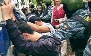 В полицию Анапы тремя автобусами доставили кавказцев