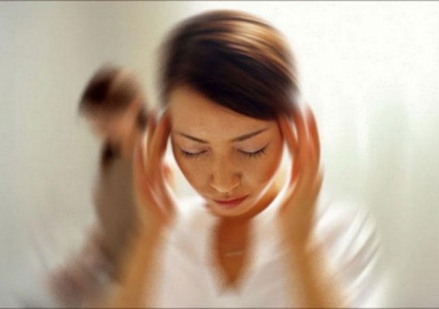 Восемь причин головокружения у женщин при нормальном давлении, как лечить