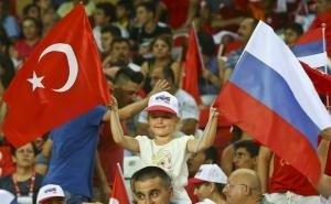 Россия празднует победу над сборной Турции в Лиге наций