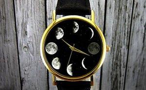 Часы с отображением фаз луны