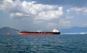 Власти Кубани ведут переговоры с владельцем севшего на мель иностранного сухогруза