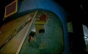 В Краснодаре от брошенного хулиганами кирпича пострадал водитель трамвая