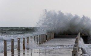 На Кубани мужчина спас ребёнка, которого смыло с пирса в море