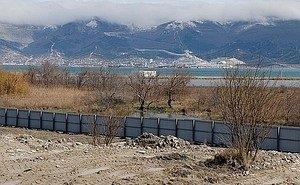 Активисты пожаловались в Госдуму на застройку Суджукской лагуны